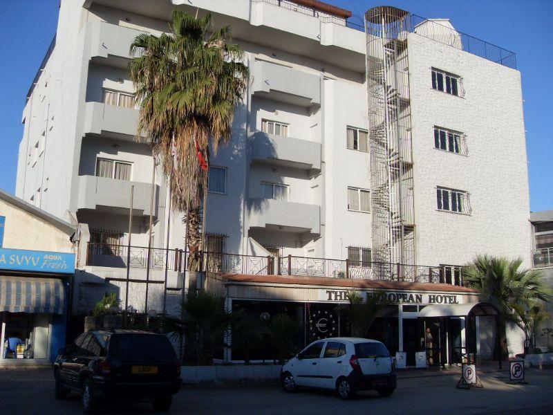 The Dee European Hotel Fotoğrafı